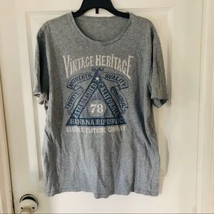 Banana republic gray graphic shirt size small